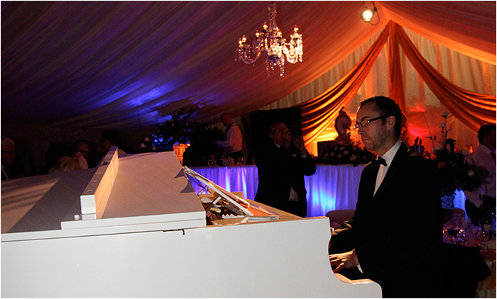 Piano-hire-for-your-marquee-wedding